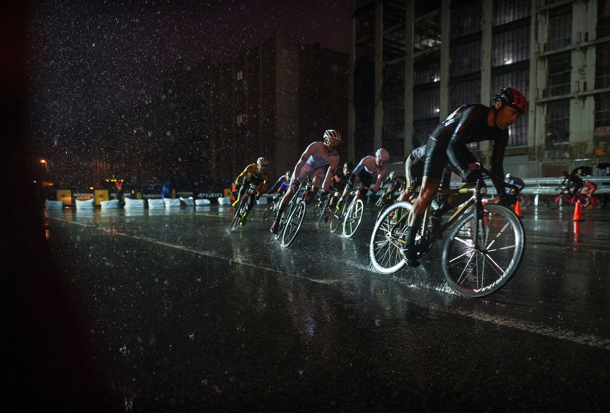 Red-Hook-Crit – by Red Hook Crit – A Fixies Race Like No Other Funked Up Fixies
