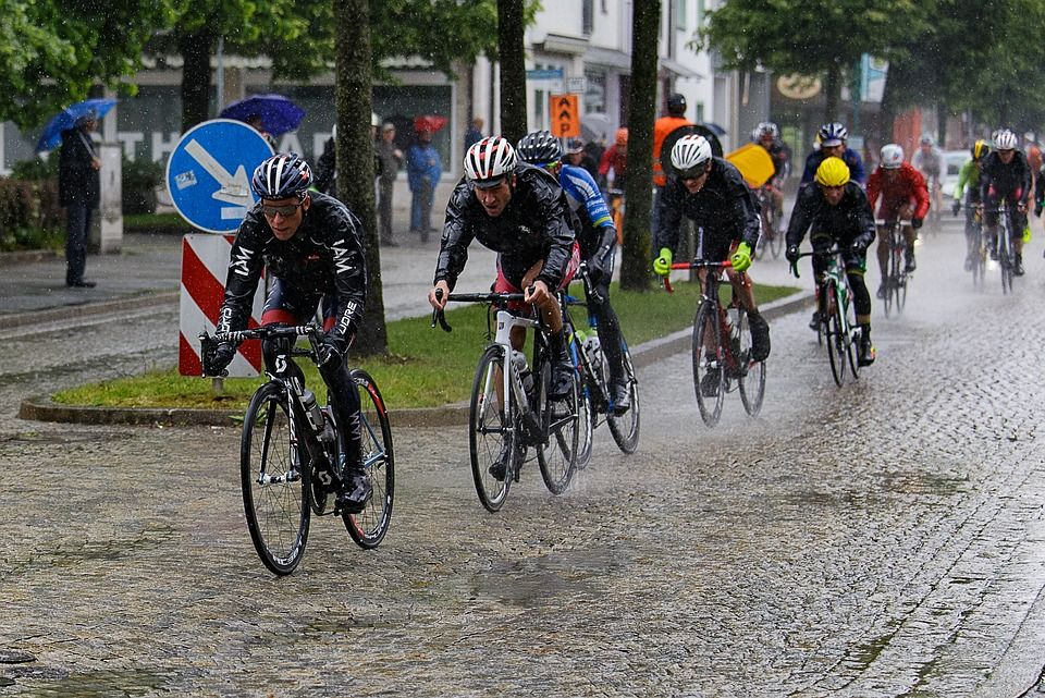 cycling-races-2483165_960_720